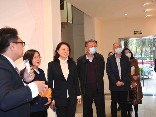 深圳市委一行领导考察广东太一龙华区妇女儿童主题馆